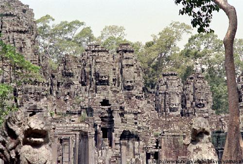アンコールトム・バイヨン寺院 アンコールトム・バイヨン寺院 アンコール遺跡の中で、アンコールワッ