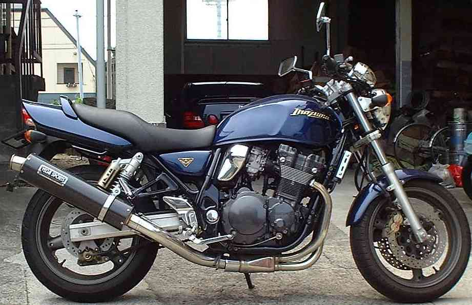 油冷エンジン搭載の400ccモデル!スズキ  イナズマ400を徹底調査!