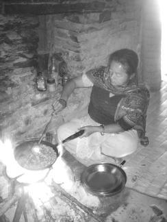 連載 ネパール・タライ平原の村から(13)「食べること」をめぐって