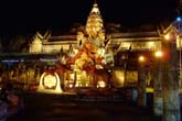 荘厳な象の宮殿:クリックで拡大