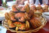 ついに登場、山盛りの上海蟹:クリックで拡大