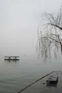 湖心亭より湖を望む:クリックで拡大