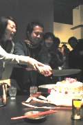 ケーキカットのタケオ・銀夫妻