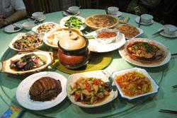 トン族の料理:クリックで拡大