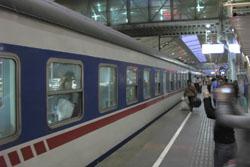 西安へ向かう夜行列車:クリックで拡大