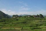 山中の村落:クリックで拡大