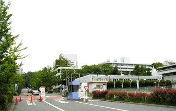 所在地 山田丘北 アクセス 広大な敷地のため学部により最寄り駅、所要時... 大阪大学吹田キャン
